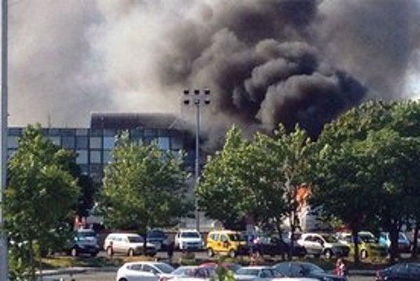 Svedkovia hovorili, že explózia bola mimoriadne silná.