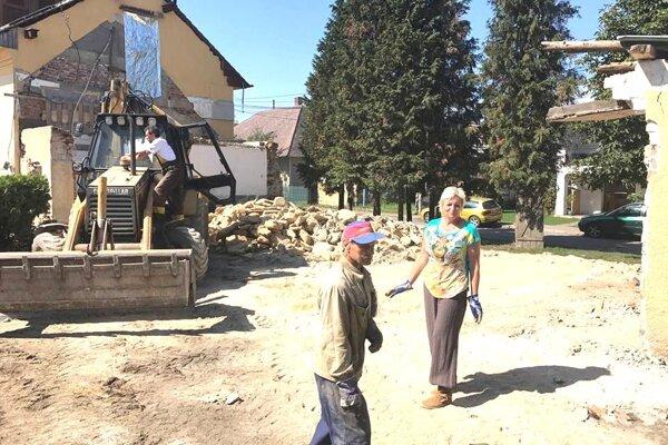 Do stavebných prác sa pustili miestni ľudia.
