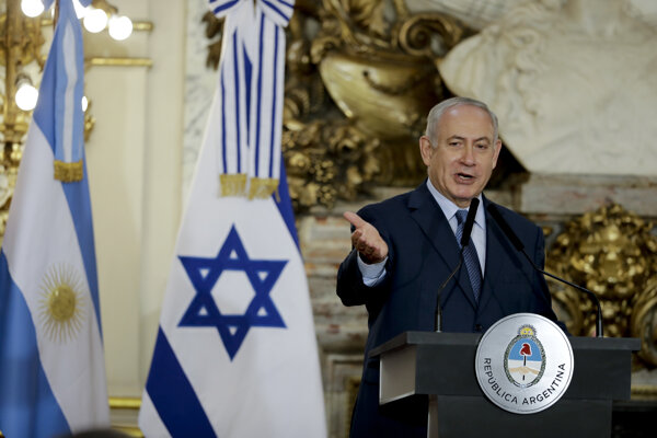Izrael má právo zastaviť výrobu zbraní v Libanone, vyhlásil Netanjahu