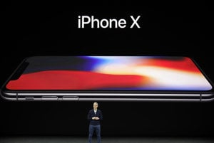 Apple odhaľuje iPhone X.