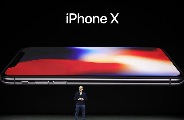 Apple odhaľuje iPhone X.