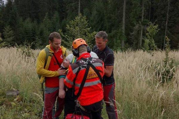 Horskí i leteckí záchranári ratovali hubára.