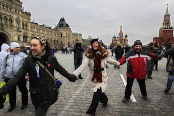 Novým zákonom chcel prezident Medvedev vyjsť v ústrety protestujúcej opozícii.