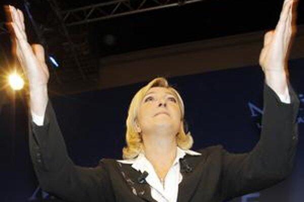 Le Penová oslovila robotníkov viac než Hollande a krajná ľavica.