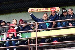 Fanúšikovia Nededu boli napriek dažďu spokojní.