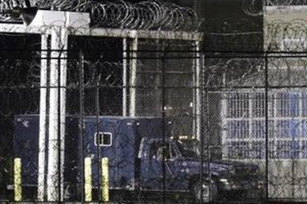 Zrušenie trestu sa netýka jedenástich odsúdených, ktorí na popravu už čakajú.