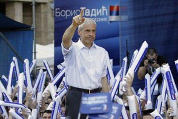 Socialisti v druhom kole prezidentských volieb podporia Borisa Tadiča.