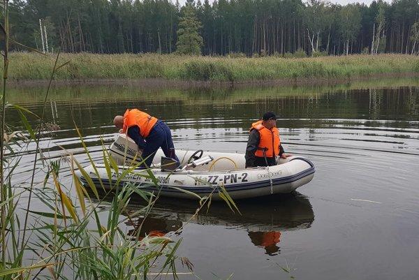 Nezvestného Gabriela okrem polície hľadali záchranári z Gabčíkova, vrtuľník aj dobrovoľníci.
