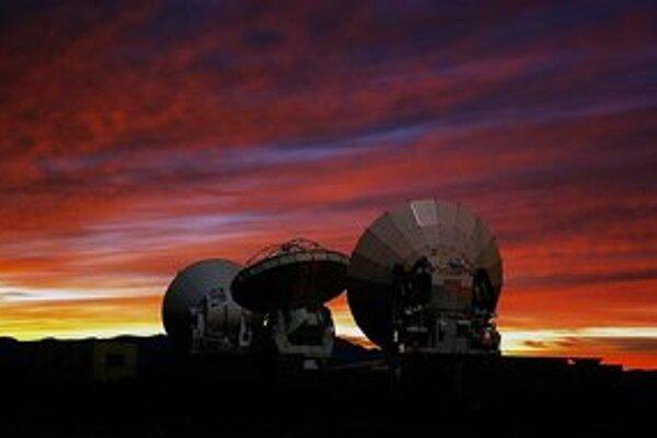 Satelity observatória ALMA.