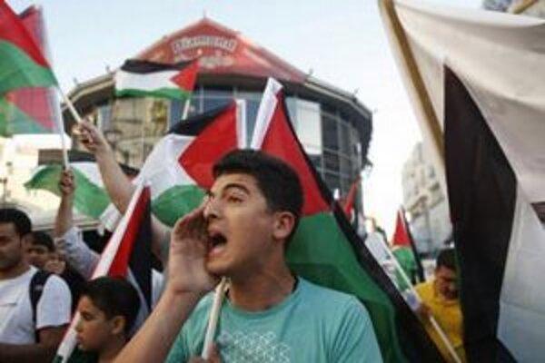 Palestínčania si pripomínajú Deň pohromy (Jaum an-Nakba), keď bolo z územia dnešného Izraela vyhnaných státisíce ich predkov.