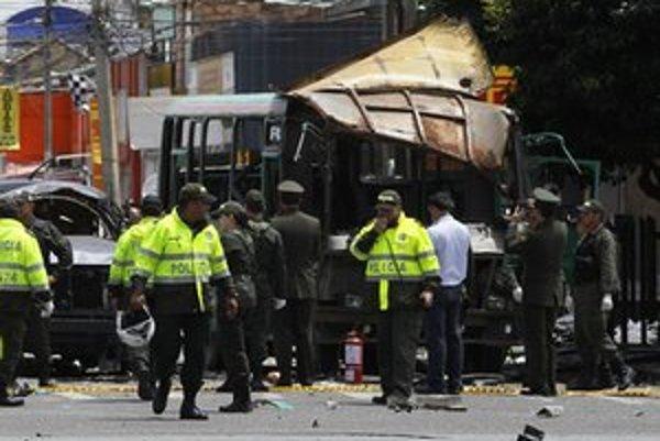 Polícia prehliada miesto výbuchu.