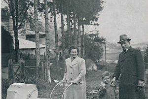 Pfeifferovci v areáli vápenky v roku 1941.