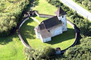 Kostolík sv. Matúša v Zolnej je z 13.  storočia.