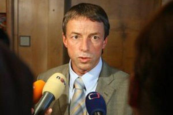 Pavel Bém patril medzi najpopulárnejších politikov. Teraz je už len radovým poslancom ODS.