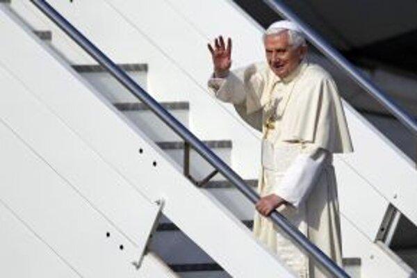 Pápež odcestoval na trojdňovú návštevu Mexika, následne od pondelka do štvrtka navštívi Kubu.