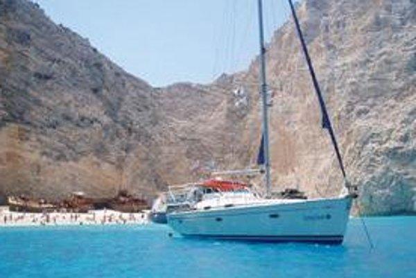Zakynthos je ostrov známy krásne modrým morom a pamiatkami.