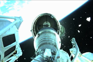 Oddelenie sondy vo vesmíre.