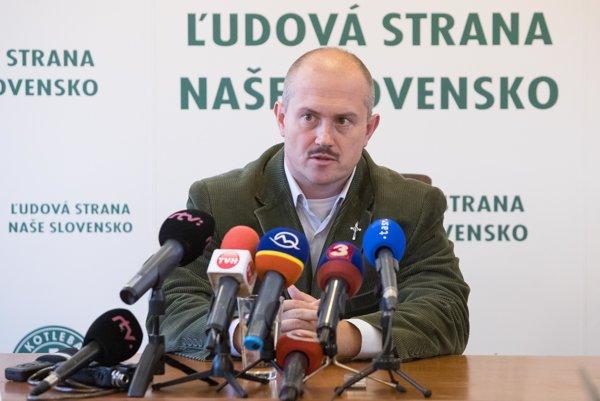 Šéf extrémistickej ĽSNS Marian Kotleba.