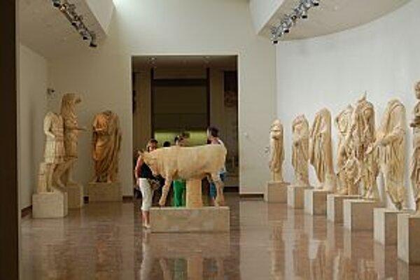 Podľa odhadov zmizlo asi 60 exponátov.