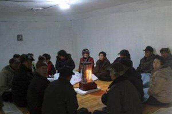 Do krytov išli v rámci cvičenia aj obyvatelia juhokórejského ostrova Baengnyeong.