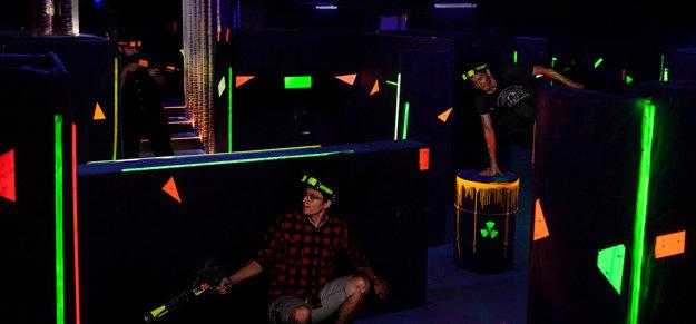 Hráči si vychutnajú pohyb po aréne bez pripojenia na káble.