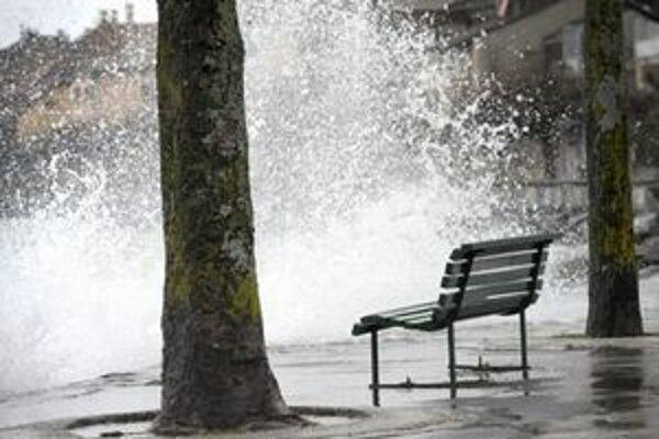 Výdatný dážď prispel k zdvihnutiu hladín niektorých riek.