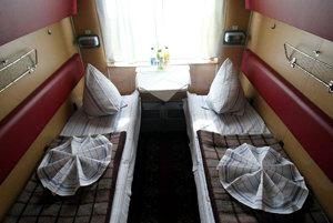 Ukrajinský dopravca sa snaží cestujúcich prilákať otvorenosťou k zábavkám pre dospelých.