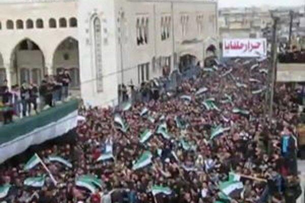 Povstanie v Sýrii stále neutícha.