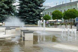 Vysoká spotreba vody bola aj v detskej fontáne. V závere sezóny bola pokazená.