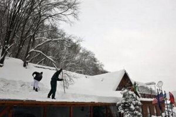 V kosovských horách napadlo viac ako meter snehu.