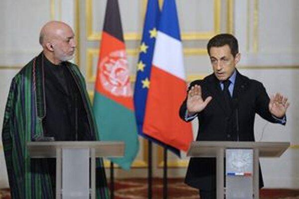 Nicolas Sarkozy a Hámid Karzaj.