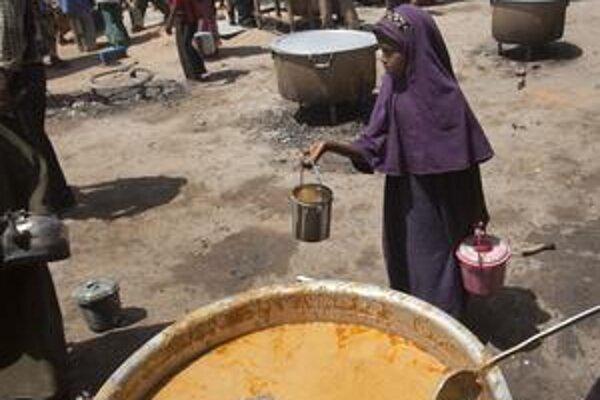 Ku koncu hladomoru v južnom Somálsku pomohla aj potravinová pomoc.