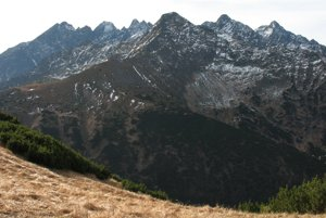 Severozápadná časť Vysokých Tatier zo Širokého sedla.