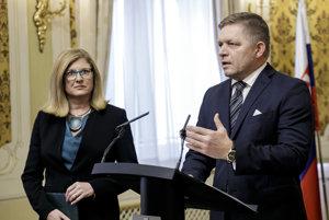 Premiér Fico a ministerka pôdohospodárstva Gabriela Matečná.