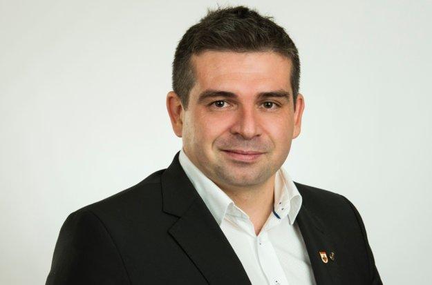 Primátor Brezna Tomáš Abel.