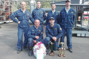 Víťazný tím (na snímke chýba Ján Kobelár, vedúci družstva).