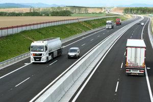 Rýchlostnú cestu R2 medzi Zvolenom a Pstrušou stavala aj španielska spoločnosť Corsan - Corviam.