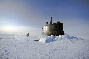 Výskumná ponorka v Arktickom oceáne.