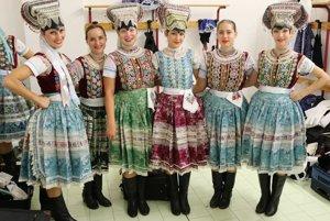 Folklórny súbor Vatra oslavuje 65. výročie založenia.