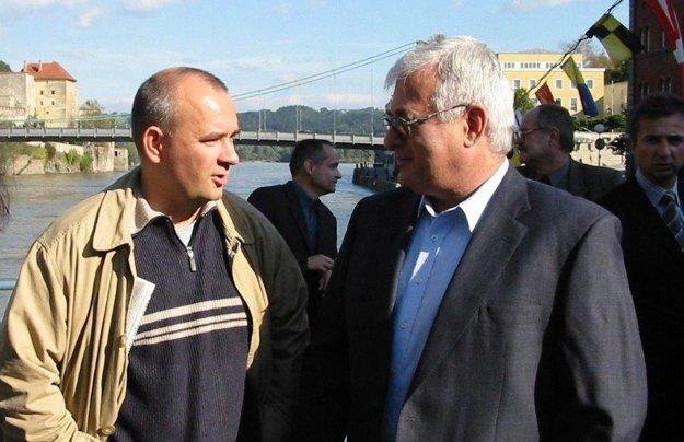 Riaditeľ vydavateľstva Petit Press Alexej Fulmek (vľavo) so spolumajiteľom PSIS, akcionára vydavateľstva, Petrom Vajdom.