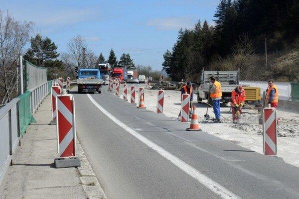 Polícia upozorňuje na dopravné obmedzenie na ceste I/11 v katastrálnom území Brodno.