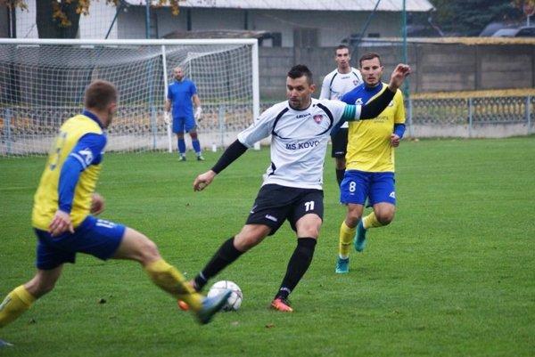 V okresnom derby hrali Tovarníky s Hrušovanmi 1:1.