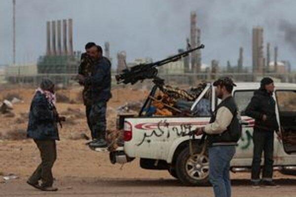 Kaddáfího sily na predmestí Adžedábíje.