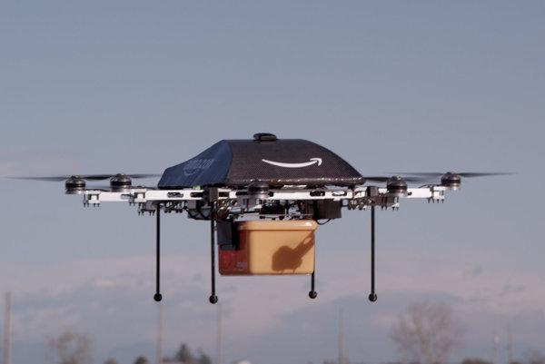 Doručovací dron služby Amazon Prime Air.