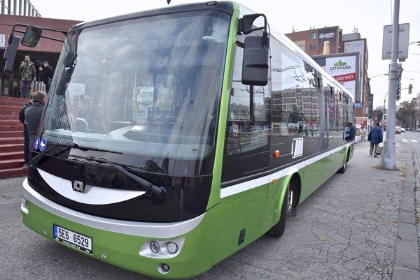 Elektrobus českého výrobcu SOR, ktorý testuje  Dopravný podnik Bratislava.