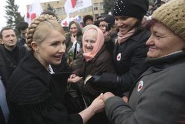 Juščenko tvrdí, že voľby vyhrá ten, kto bude v 2. kole súperom Janukovyča. Prieskumy dávajú šance Tymošenkovej.
