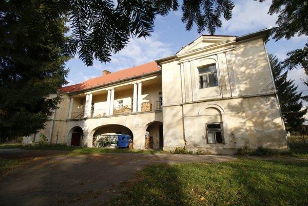 Starostka by v kaštieli rada zriadila sídlo obce.