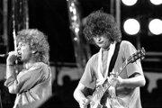 Led Zeppelin zahrali pieseň Stairway to Heaven aj na koncerte Live Aid v roku 1985. Na snímke Robert Plant (vľavo) a Jimmy Page.