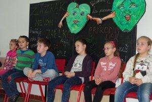 Na Základnej škole Clementisova vKysuckom Novom Meste si pripomenuli zaujímavý deň už po druhý raz.