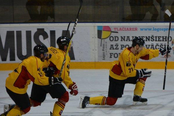 Topoľčany na ľade Trnavy strelili päť gólov.